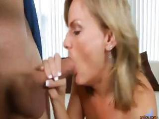 blonde mama greets hubby with kisses to his jock