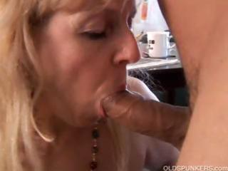 older big beautiful woman gives a great oral sex