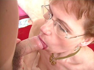 mature broad shows her orall-service skills - ant