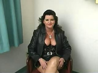fat mature woman oral pleasure