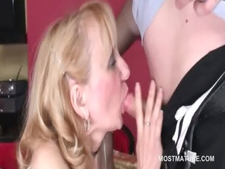 dick addict older hoe gives blowjob and analingus