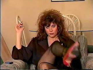 classic brunette smokin solo