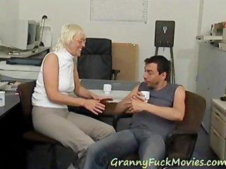 see hawt granny porn