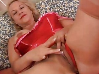 pretty older golden-haired is a squirter
