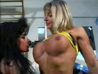 bodybuilding milfs get muff amicable at the gym!