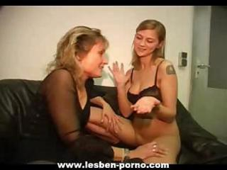 hot youthful lesbian daughter dildos her mom on