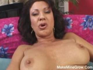 hawt milf show her curly fur pie