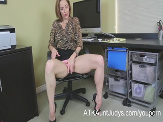 skinny d like to fuck betty blaze receives all