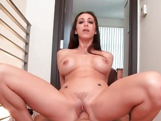 classy amateur wife gives astonishing head