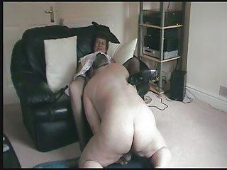 granny masturbates remembering her licking