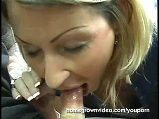 stranded soccer mom blows a guy for a ride