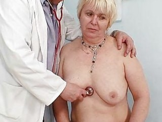 bulky blond mom hairy cunt doctor exam