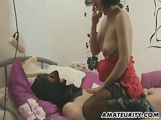 dilettante milf homemade full handjob with cum