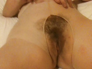 shaggy mum in pantyhose
