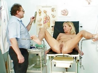 blonde d like to fuck mom dirty bra buddies and