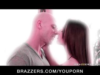 slim pornstar with natural zeppelins bonks hard