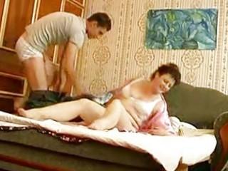 juvenile hunk bangs older chunky momma in bedroom