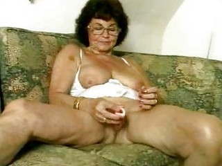 filthy granny dildoing her old cum-hole