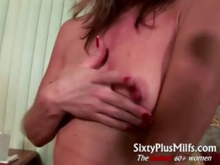 lustful older wife gives perverted solo