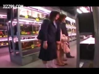 daughter see mother screwed by geek in aquarium